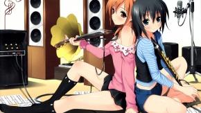 Две девочки с инструментами